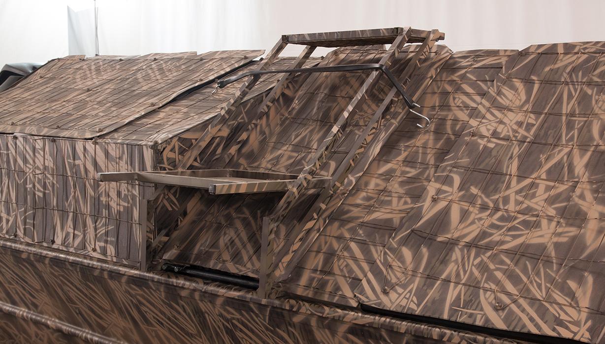 RX 1860 Waterfowl Tiller Bust'Em Boat Blind Ladder