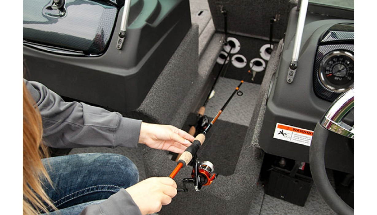 Hi 2015 Lowe Fm Feature   Rod Storage