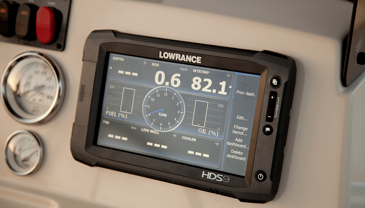 Hi 2015 Lowe 22 Bay   Feature   Fishfinder