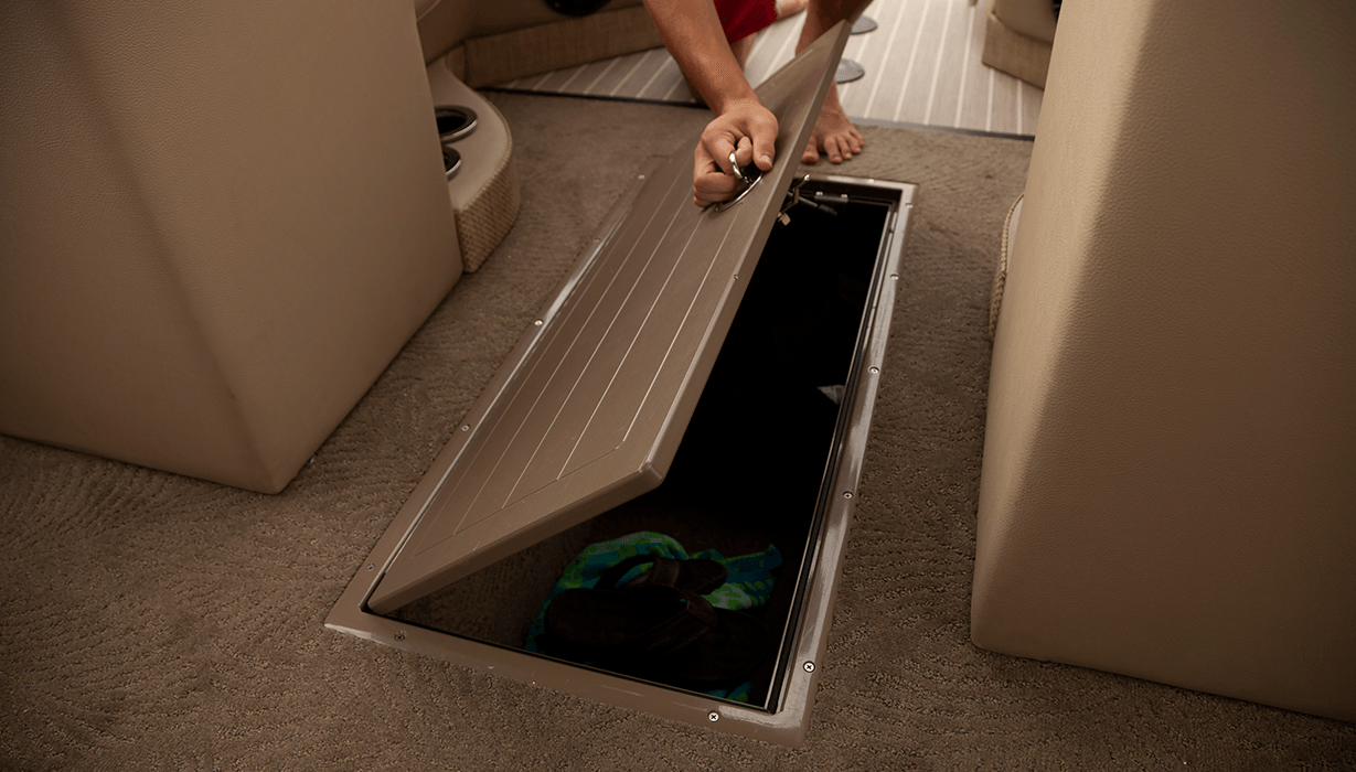 Hi Infinity 230 Wt   In Floor Storage