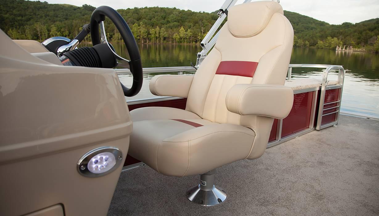Hi Ss 230 Rfl   Helm Seat