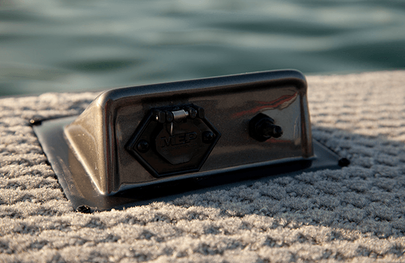 In-Deck Trolling Motor Receptacle and Power Switch